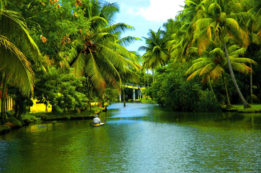 Cheapest Kerala Tour Packages From Delhi