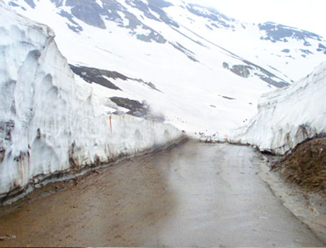 Best Rohtang Pass Holiday Tour Packages From Delhi Himachal Pradesh